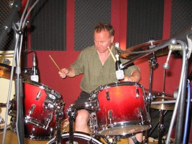 Arndt Limo am Schlagzeug